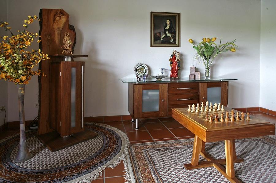 Wir Planen Und Produzieren Nach Ihren Wünschen Möbel Für Ein Komplettes  Wohnzimmer Oder Esszimmer. Einzelstücke Wie Schränke, Tische, Vitrinen,  Eckbänke Und ...